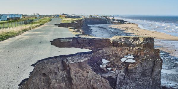 Cliff_erosion_Skipsea_East_Yorkshire
